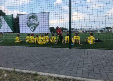 Od dwóch porażek rozpoczęli turniej międzynarodowy chłopcy rocznika 2009 w Augustowie.